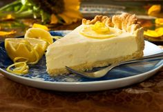 Get Grandma's old fashioned lemon pie recipes and make homemade pies so tangy and delicious that your family will beg you for second helpings. Citrus Recipes, Tart Recipes, Dessert Recipes, Homemade Pie, Homemade Desserts, Old Fashioned Lemon Pie Recipe, Raisin Pie Recipe, Lemon Custard Pie, Lemon Chiffon Pie