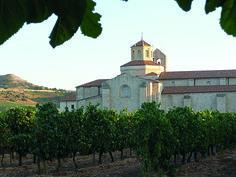 CG04: De eerste twee nachten van ons verblijf logeerden we in dit optrekje: Monasterio Valbuena, een voormalig klooster waar de originele muren, balken en deuren bewaard zijn gebleven. Nu een  luxe vijfsterren-spahotel.