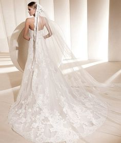 Beautiful! I love the idea of a longer veil bc then you can remove for reception.