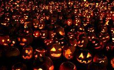 Halloween è una tradizione italiana. Non è una presa in giro, ma la tesi che Luigi Maria Lombardi Satriani, antropologo calabresee professore all'università Sapienza di Roma, sostiene nel suo libr...