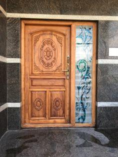 Single Main Door Designs, House Main Door Design, House Outer Design, House Window Design, Wooden Front Door Design, Home Door Design, Main Entrance Door Design, Double Door Design, Pooja Room Door Design