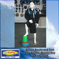 We have boys clothing. Nice warm hoddie's for the winter! Surf Wear, Surfing, Menswear, Mens Fashion, Warm, Guys, Nice, Beach, Winter