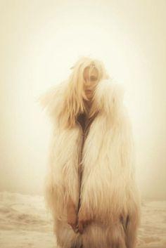 "naag fall 2010 ""prelude to winter"" model: kasia struss, photographer: hugh lippe, stylist: melissa rubini Foto Fun, Fabulous Furs, Lookbook, Fur Fashion, Winter Fashion, Daily Fashion, Street Fashion, Womens Fashion, Favim"