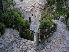 garden tomb jerusalem | Jigsaw Crown And Andrews The Garden Tomb, Jerusalem-748pc Ken Duncan ...