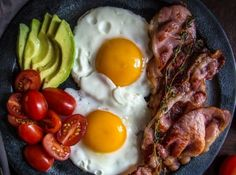 Eggs with bacon and tomatoes M arks and Spencer