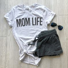 Outstanding advices for mom information are offered on our site. Have a look and you wont be sorry you did. Soccer Mom Outfits, Summer Outfits For Moms, Casual Outfits, Cute Outfits, Winter Outfits, Mom Shirts, Mom Style, Everyday Outfits, How To Wear