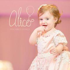 #albumbook #albumaniversario #aniversarioinfantil #diagramacaodealbuns #design #designdealbuns #diagramacao #love #baby #primeiroano #aniversário #birthday#tipografia #typography #princess #pink