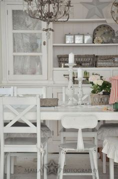 Open dining hutch and mixed chairs. #openshelves #diningroomdecor