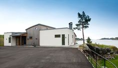 Inspirasjon: Fire flotte funkishus bygget med Leca - Byggmakker Garage Doors, Shed, Cottage, Outdoor Structures, Cabin, Outdoor Decor, Home Decor, Wall, Modern