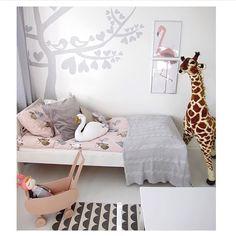 497 vind-ik-leuks, 10 reacties - Charlotta Folkesson (@lifestylebyl) op Instagram: 'Älskar det här ljuvliga barnrummet och älskar den här tjejens konto! 💕 Kika in hos @hemmavidhavet…'