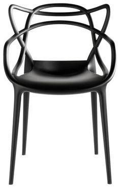 Découvrez le fauteuil Masters de Kartell en plastique noir sur Made In Design. D'autres coloris sur notre site.