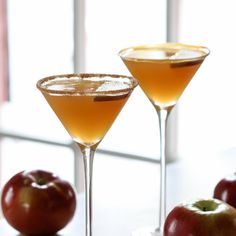 Caramel Apple Cider Martini- rim glass with caramel or cinnamon sugar. Shake with ice: apple cider, caramel vodka, butterscotch schnapps; strain into glass -- [OO] Spiked Apple Cider, Apple Cider Cocktail, Cider Cocktails, Fall Cocktails, Fall Drinks, Party Drinks, Mixed Drinks, Vodka Cocktail, Beach Drinks