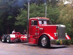 Saw this one @ 75th anniversary Peterbilt show. The details are unbelievable!!!