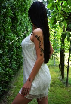 Biała sukienka z frendzlami na ramiaczkach. W całości obszyta drobnymi koralikami  Dostępna w naszym sklepie online  Www.yellow-giraffe.pl  #yellowgiraffepl #whitedress #fashion #fashionblogger #shoppingonline #instafashion #boho