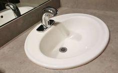 Nettoyer les résidus de savon et de calcaire