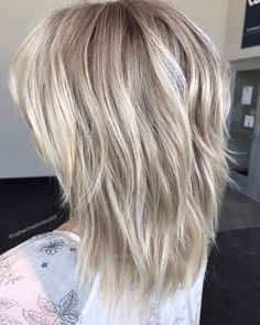 60 Best Variations of a Medium Shag Haircut for Your Distinctive Style Two-Layer Razored Blonde Hairstyle – Farbige Haare Medium Shag Haircuts, Thin Hair Haircuts, Straight Hairstyles, Cool Hairstyles, Haircut Medium, Wedding Hairstyles, Short Haircuts, Braided Hairstyles, Hairstyle Men