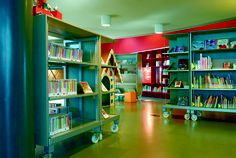I am obsessed with casters. BCI - Transparent and flexible shelving