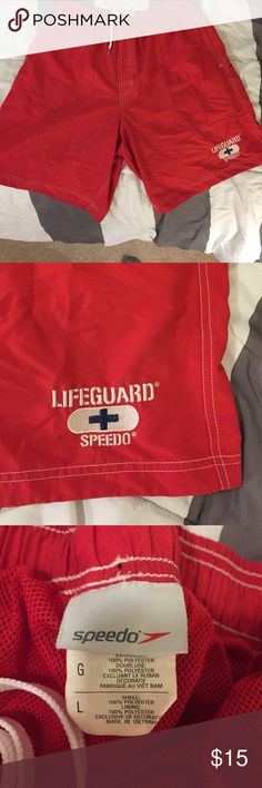 Men's Large Speedo Lifeguard swim suit Wore this suit 3 times just way too big on me. Suit features mesh brief on the interior, 2 pockets, and a drawstring. Great for anyone looking to buy a lifeguard suit!! Speedo Swim Swim Trunks