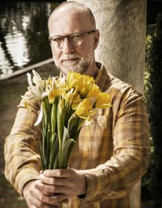 Bob Mould's Beautiful, Ruinous Life in Punk:  NPR