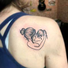 """Nenno Cunha Tattoo on Instagram: """"Primeiro de hoje! Mãe e filha ❤ ▪ Obrigado à todos que acompanham meu trabalho! Curtam, marquem os amigos e compartilhem 😃 ▪ Orçamentos:…"""" Mom Baby Tattoo, Mother And Baby Tattoo, Tattoo Mama, Tattoo For Son, Mother Tattoos, Tattoo On, Mutterschaft Tattoos, Baby Feet Tattoos, Life Tattoos"""
