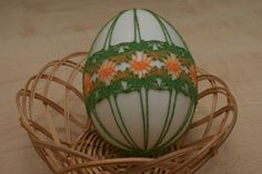 Veľkonočná kraslica Lacemaking, Lace Heart, Lace Jewelry, Bobbin Lace, Lace Detail, Easter Eggs, Macrame, Creations, Ribbon