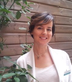 Alicia Domigo, Farmacéutica en farmacia Internacional
