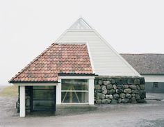 Per Line - Family house Gallery, western Norway. Via Rasmus Norlander.