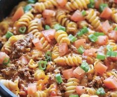 Easy Ground Beef Recipes That'll Make Weeknight Meals a Breeze Cooking With Ground Beef, Ground Beef Recipes Easy, Best Crockpot Recipes, Healthy Recipes, Easy Cooking, Cooking Recipes, Recipes From Heaven, Weeknight Meals, Pasta Dishes