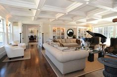 Bright Traditional Home Decorating Ideas Blend Quality Wood Furniture with Calming Room Colors