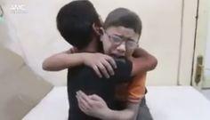 Desgarrador video de 2 niños sirios conmueve al mundo