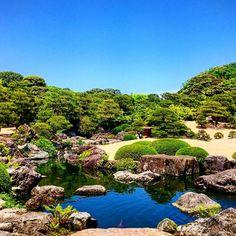 #garden #trees #pond #stone #sky #blue #adachimuseum #tbt #shimane_pref #japan #足立美術館 #庭 #庭園 #島根 #過去写