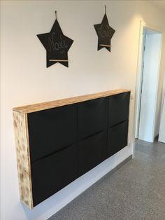 Garderobe DIY wardrobe IKEA TRONES spruce wood board processed with Bunsen burner Keeping it Cheap: Ikea Trones, Ikea Shoe Cabinet, Flur Design, Entryway Console, Small Entryways, Diy Wardrobe, Best Ikea, Wood Countertops, Living Room Designs