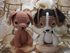 Beagle & Labrador free crochet pattern Crochet Butterfly Pattern, Crochet Amigurumi Free Patterns, Crochet Toys, Free Crochet, Crochet Christmas Ornaments, Knitted Dolls, Soft Dolls, Crochet For Kids, Amigurumi Doll