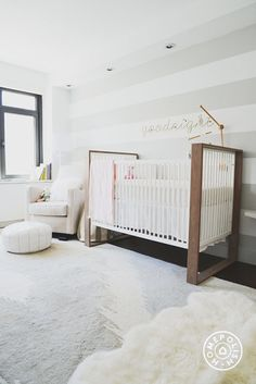 ducduc Austin crib in bleached walnut Goodnight Nursery by Homepolish New York City https://www.homepolish.com/mag/goodnight-nursery