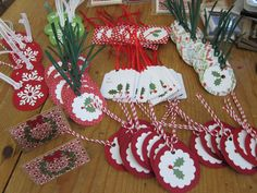 Handmade Christmas Gift Tags Make some cute Christmas gift tags out of paint-chip cards from your local paint store Holiday Gift Tags, Christmas Gift Wrapping, Christmas Paper, Christmas Projects, Diy Christmas Tags, Handmade Gift Tags, Handmade Christmas Gifts, Xmas Gifts, Diy Gift Tags