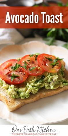Breakfast couldn t be any easier with this delicious avocado toast recipe A slice of toasted bread topped with mashed avocado a drizzle of olive oil salt and pepper Easy to make and healthy too Top wth a tomato slices or an egg if desired One Dish Kitchen Simple Avocado Toast, Avacado Toast, Best Avocado Toast Recipe, Avocado Cake, Avocado Dessert, Brunch Recipes, Baby Food Recipes, Breakfast Recipes, Healthy Recipes