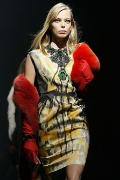 Lanvin A/W 2012-13. Paris. Amazing necklace!