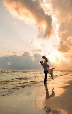 Photo couple, couple beach pictures, beach family photos, couple on t Beach Engagement Photos, Beach Wedding Photos, Sunset Wedding, Wedding Beach, Small Beach Weddings, Romantic Beach Photos, Sunset Beach Weddings, Beach Elopement, Engagement Photo Outfits