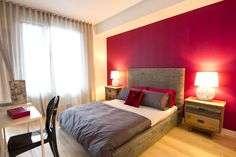Evolo  - Osez le rose - chambre à coucher - Jacynthe Leroux designer - Ameublement Corbeil. Condominium, Bed, Designer, Furniture, Rose, Pink, Home Decor, Arredamento, Bedroom