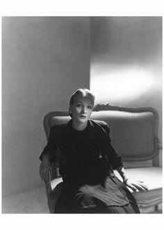 Marlene Dietrich – 1947 Photo Horst P. Horst Marlene Dietrich – 1947 Photo Horst P. Horst Archiviato in:Horst P.Horst Tagged: 40's, Cinema Archive, Horst P.Horst, Marlene Dietrich