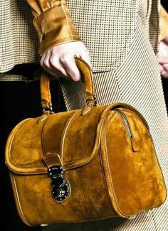 014e90949 Las 21 mejores imágenes de Miu Miu bags | Beige tragetaschen ...