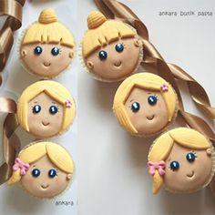Tatlı Kızlar Cupcake - Şu #doğumgünücupcake lerinin şirinliğine bakın! Çocuğunuzun #doğumgünü nde mutlaka olmalı!  Pasta&Cupcake&Kurabiye  #cupcakecesitleri #dogumgunucupcakeleri #dogumgunukonseptleri #doğumgünükonsepti