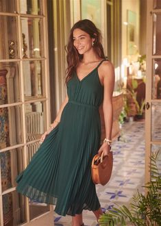 Love this dress aaaa Estilo Casual Chic, Casual Chic Style, Pretty Outfits, Pretty Dresses, Beautiful Outfits, Spring Summer Fashion, Spring Outfits, Style Summer, Dress Skirt