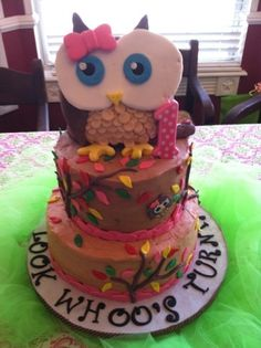 Look Whoo's turning 1. By mamaharper on CakeCentral.com