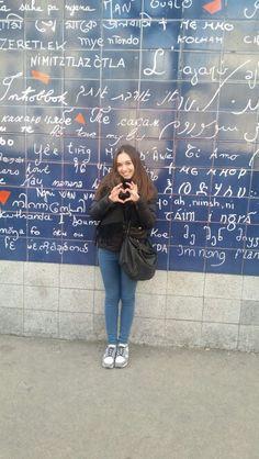 Le mur des je t'aime. Montmartre, Paris.