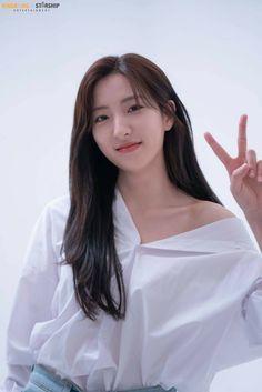 Eunseo Girl's Day Yura, Cosmic Girls, Save Image, Girl Day, My Images, Korean Girl, Rapper, Kpop, Fandom