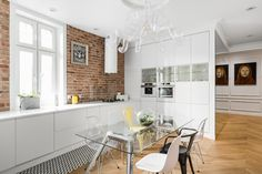 〚 Modern apartment with bright furniture and classic features in Poland 〛 ◾ Photos ◾Ideas◾ Design Kitchen Dining, Dining Room, Ottoman, Neoclassical, Kitchen Interior, Decoration, Interior Styling, Architecture Design, Loft