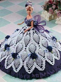 Barby con vestido de piñas