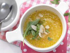Möhrencremesuppe - mit Mandelblättchen - smarter - Kalorien: 99 Kcal - Zeit: 10 Min. | eatsmarter.de Eine köstliche und einfache Suppe - auch to go.