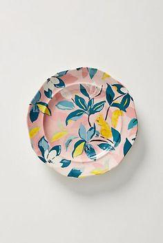 Assiette à dessert Paule Marrot Painted Ceramic Plates, Clay Plates, Ceramic Decor, Hand Painted Ceramics, Ceramic Painting, Ceramic Pottery, Ceramic Art, Mug Design, Plate Design